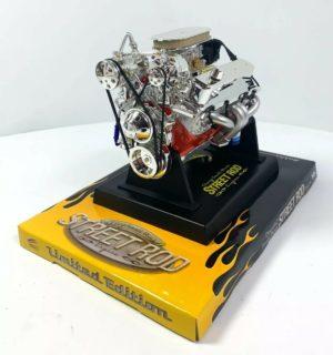 Small Block Chevy SBC V8 Model Engine - Diecast 1:6 Scale Motor Replica